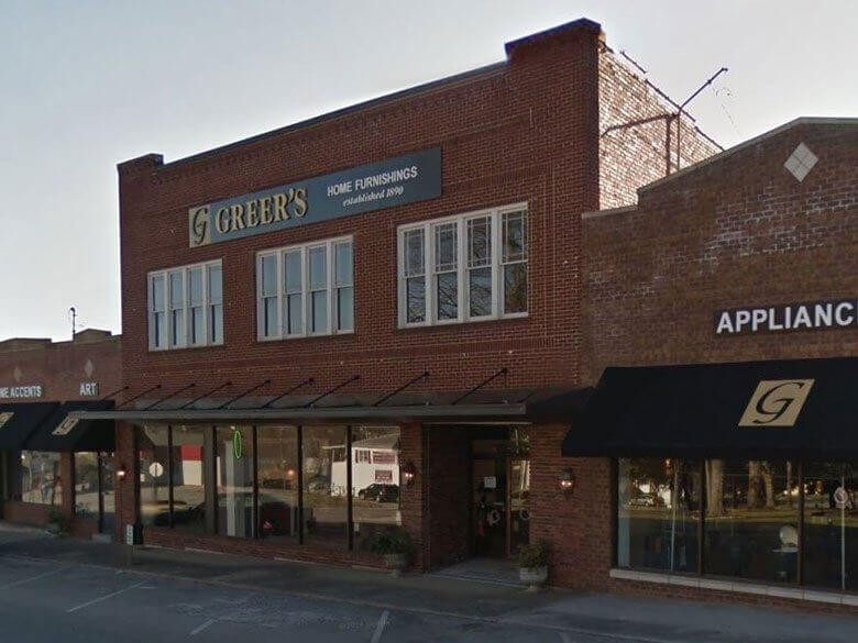 Greer's Store Front in Loudon, Tennessee Courthouse